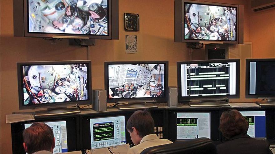 La NASA planea una caminata espacial para localizar fuga de amoniaco en EEI