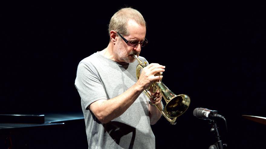 Walt Fowler es el trompetista del grupo / GOIO VILLANUEVA