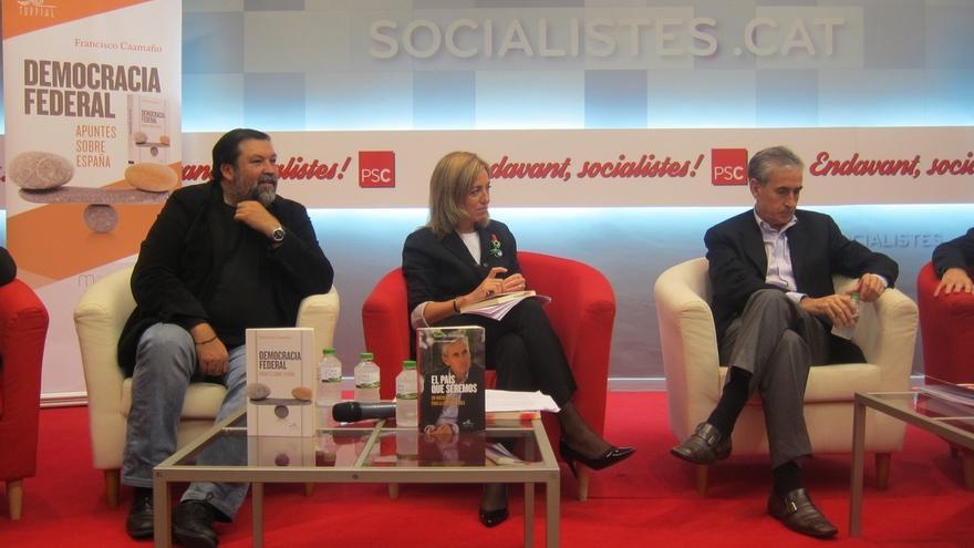 """Caamaño ve """"altivo"""" el plan de Mas y Jáuregui defiende una reforma constitucional acotada"""
