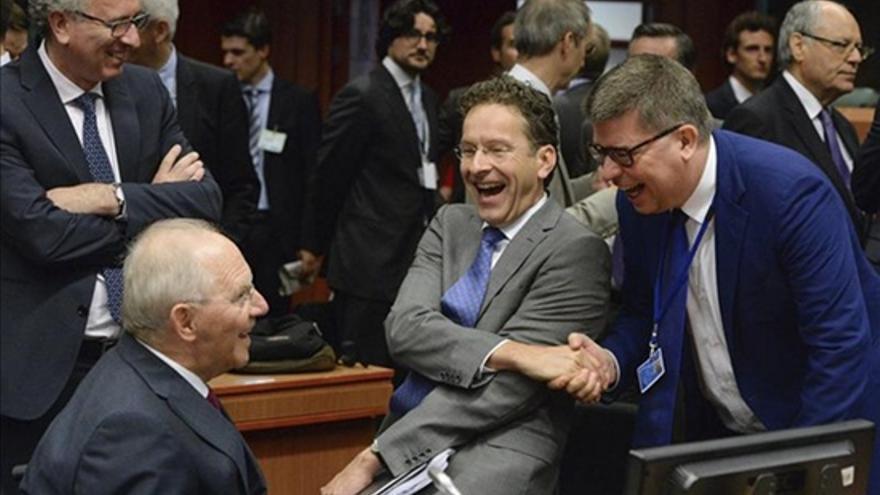Los ministros de Finanzas de Alemania, Holanda y Luxemburgo en la reunión del Eurogrupo del lunes