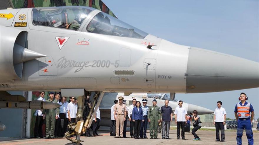 Desaparece avión de combate taiwanés en la costa norte de la isla