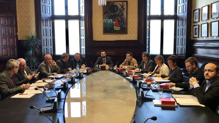 El Parlament tramita la ley del PP para que Puigdemont no tenga beneficios como expresidente
