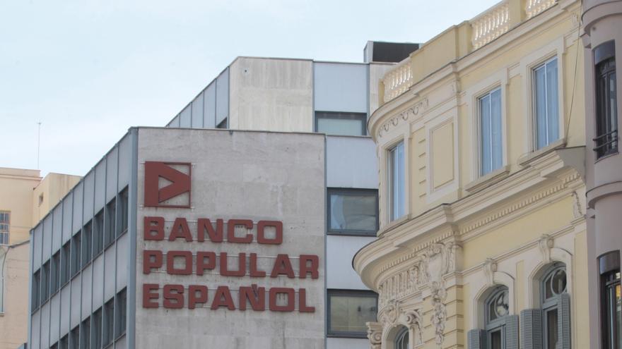 IU-ICV propone extender las limitaciones salariales a directivos de todas las entidades bancarias