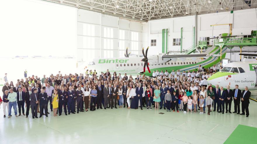El bautizo tuvo lugar en los hangares de la compañía en el aeropuerto grancanario.