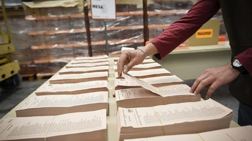 La Junta Electoral valida cinco coaliciones para los comicios catalanes
