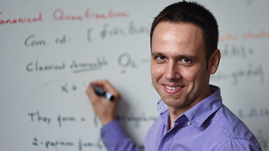 El físico Iván Agulló, que emigró y ahora trabaja en la universidad de Louisiana