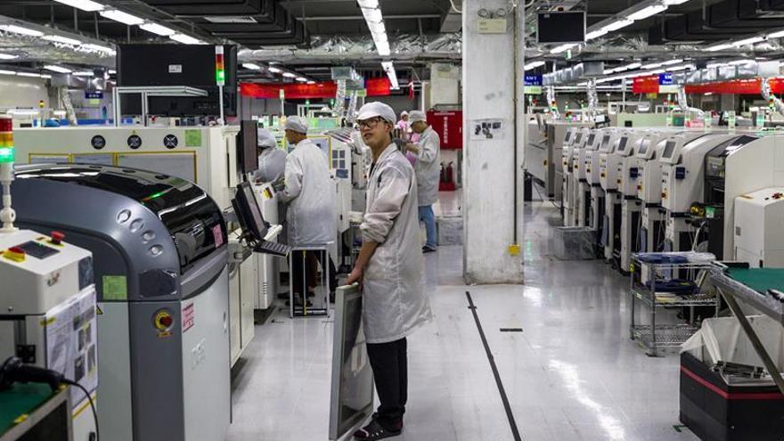 Ascienden a 1.770 los muertos por COVID-19 en China y a 70.548 los infectados
