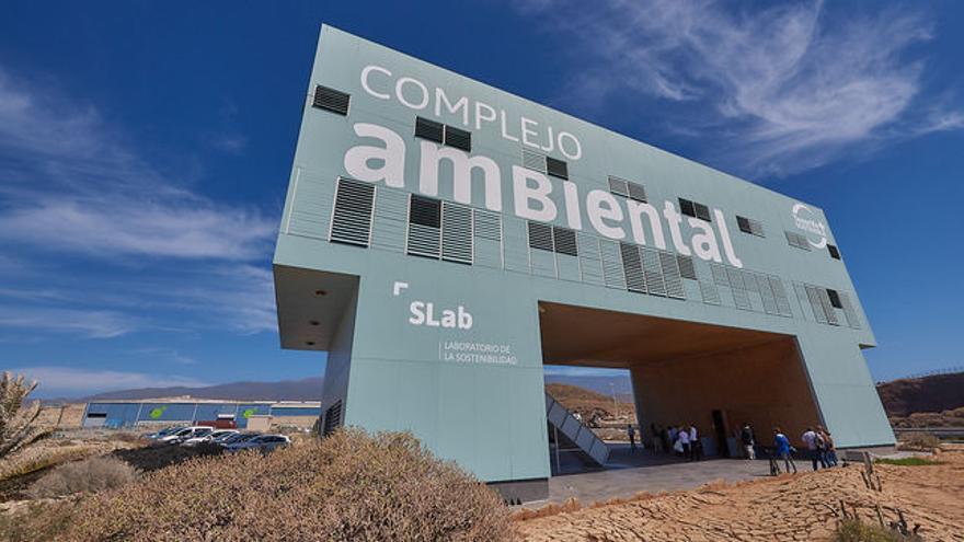 Vista principal del acceso al Complejo Ambiental de Tenerife, en Arico