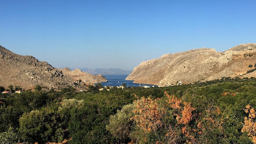 Los huertos y los olivares ocupan los valles y se extienden hacia el mar. Luigi Rosa