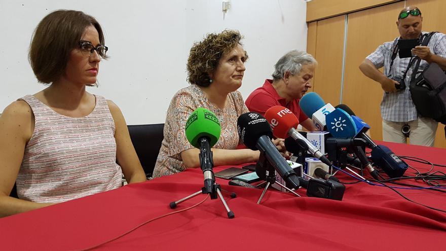 Rueda de prensa explicando la situación de Juana Rivas el día de la entrega de los menores