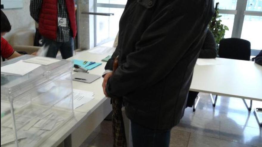 Urnas en las elecciones celebradas hoy