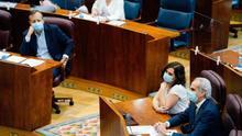 Ciudadanos vota contra la reprobación del consejero de Sanidad para salvar el Gobierno de Ayuso