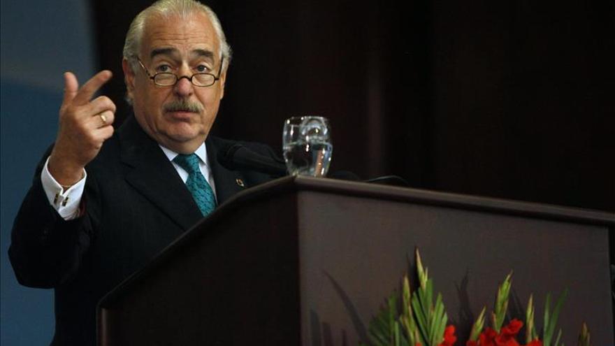 Pastrana pide reunión con Maduro antes de visitar a líderes opositores presos