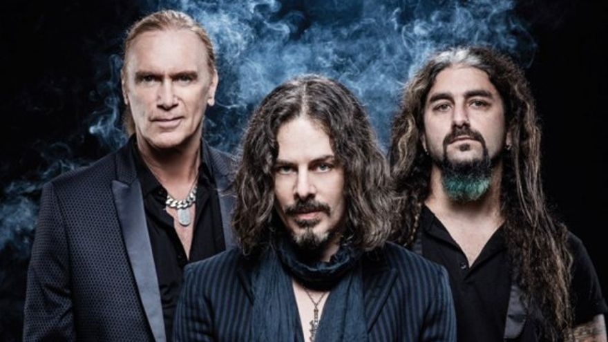 The Winery Dogs, con excomponentes de Mr. Big o Steve Vai, se presentan el lunes en Bilbao.