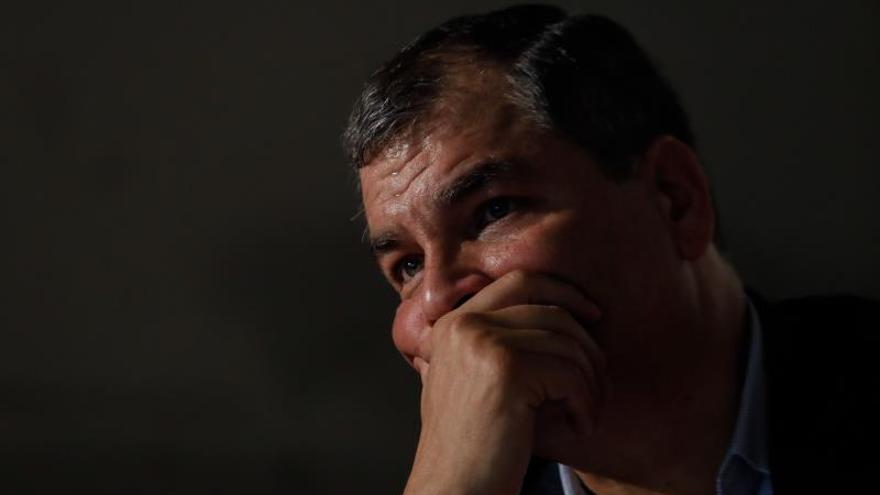 Una corte de Ecuador suspende pena a legislador afín al expresidente Correa