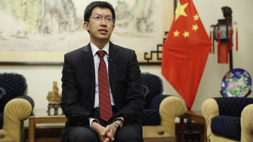 Liang Yu, embajador de la República Popular China en Perú, ofrece una entrevista a Efe el 22 de enero de 2020, en Lima (Perú).