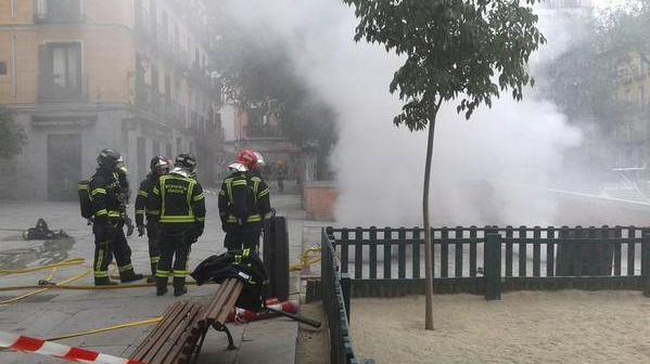Bomberos en el Dos de Mayo | EMERGENCIAS MADRID