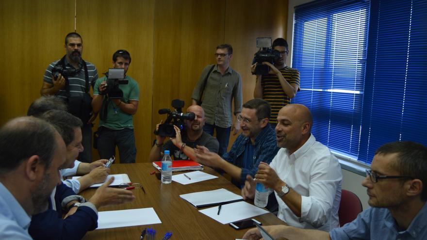 Reunión PSOE-Podemos Castilla-La Mancha / Foto: Javier Robla