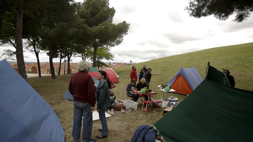Acampada de parados en Vallecas. / Olmo Calvo