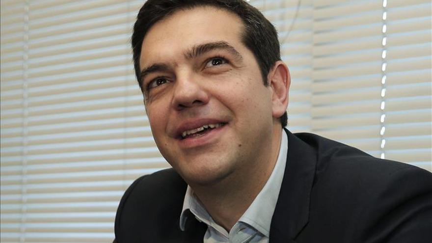 Aguirre asegura que España no tiene nada que ver con Grecia ni Syriza con Podemos