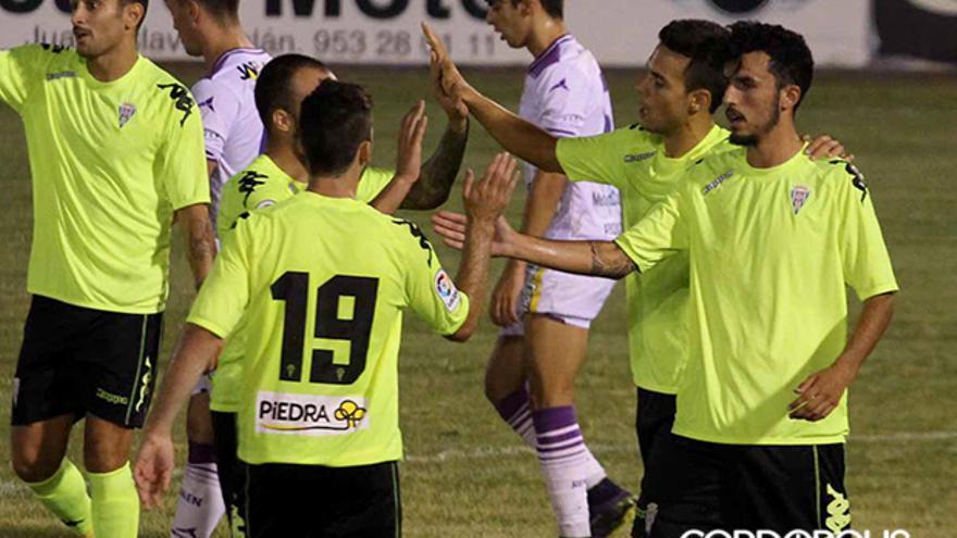 Borja, felicitado por el gol de la victoria cordobesista | LARREA