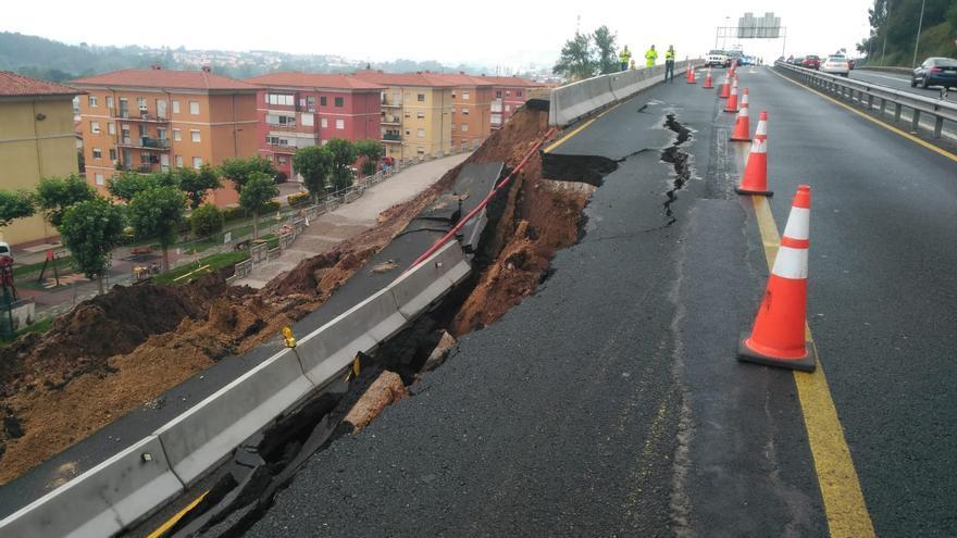 Desprendimiento en la autovía A-67 en Torrelavega