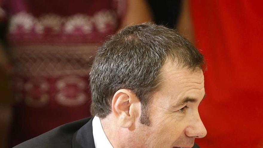 """Tomás Gómez pide a Pedro Sánchez descartar de forma """"rotunda"""" su investidura"""