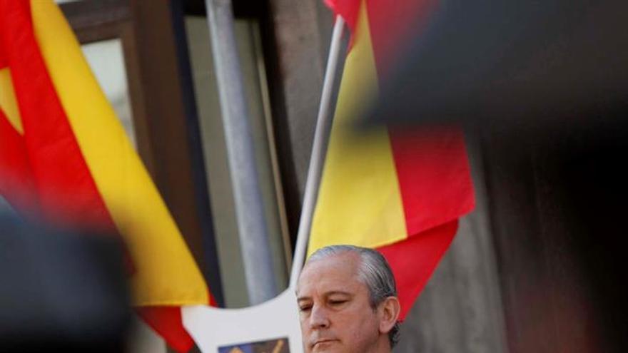 Fernández de Mesa apuesta por seguir incrementando la plantilla de la Guardia Civil