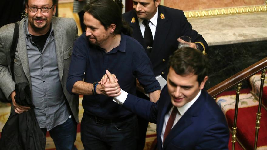 Albert Rivera, Pablo Iglesias y Xavi Domènech (En Comú Podem), en la sesión de constitución del Congreso.