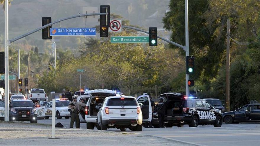 Un hombre asesina a una profesora y se suicida en una escuela de California