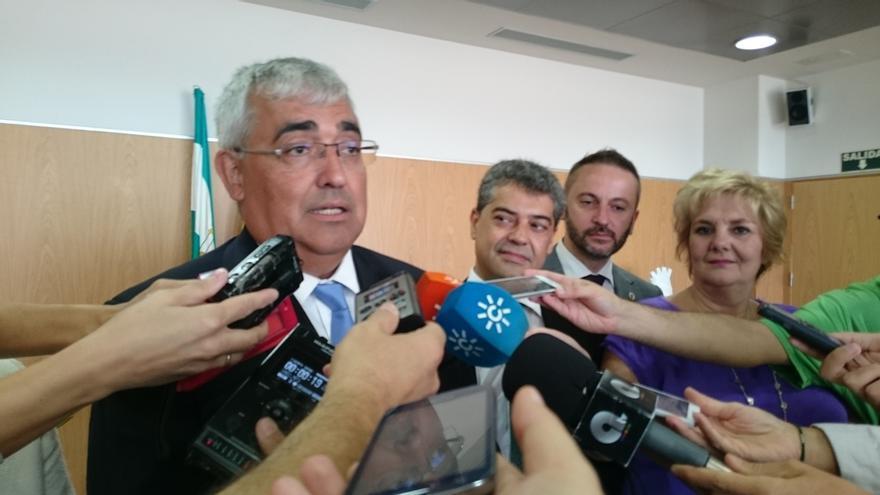 """Arellano dice que presupuestos de Junta para 2016 incorporan la """"anualidad completa"""" de fondos Feder para investigación"""