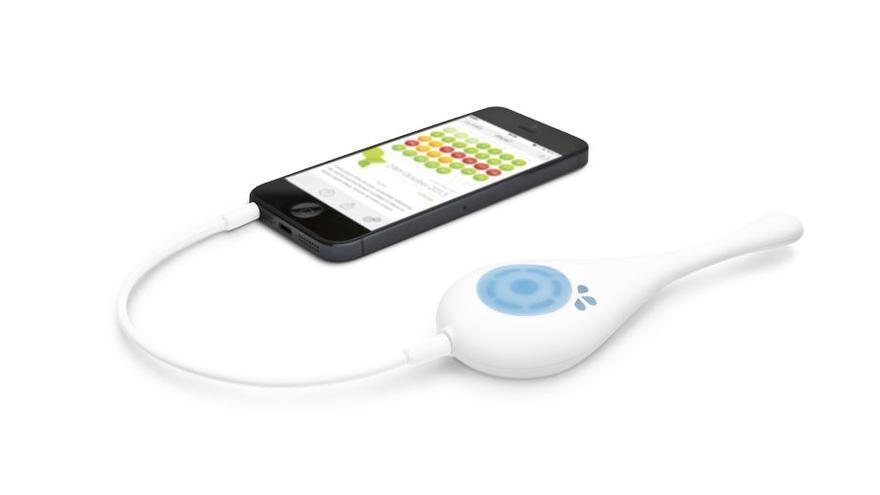 Daysy toma la temperatura en la boca y su 'app' indica cuáles son los 10 días más fértiles del mes
