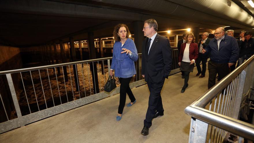 Ximo Puig en su visita al depósito anticontaminación que gestiona Aguas de Alicante.