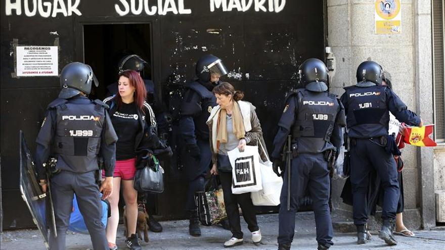La Policía desaloja a okupas de ideología nazi de un edificio en Chamberí