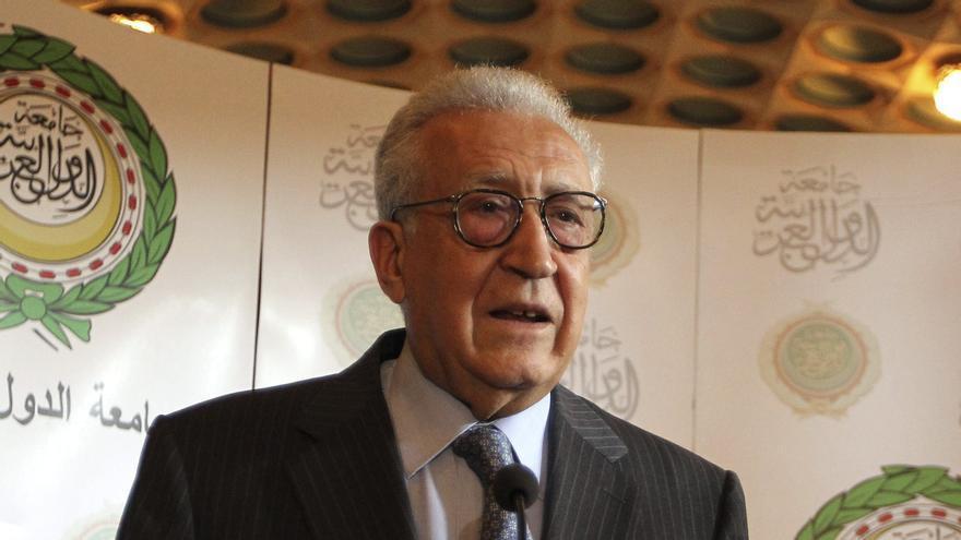 Brahimi dice que el conflicto sirio empeora por momentos y no espera diálogo
