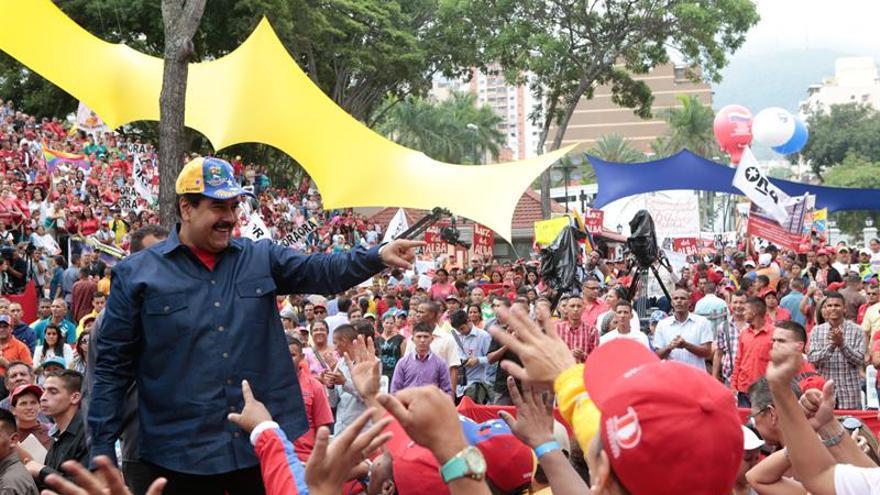 Maduro pide confianza y asegura que su Gobierno no podrá ser revocado