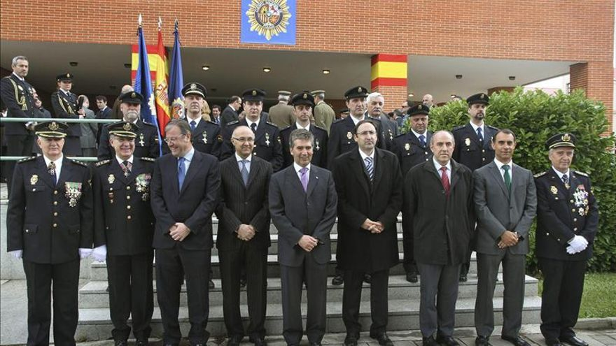 Cosidó dice que la Policía ha hecho 6.100 auxilios humanitarios en 2013