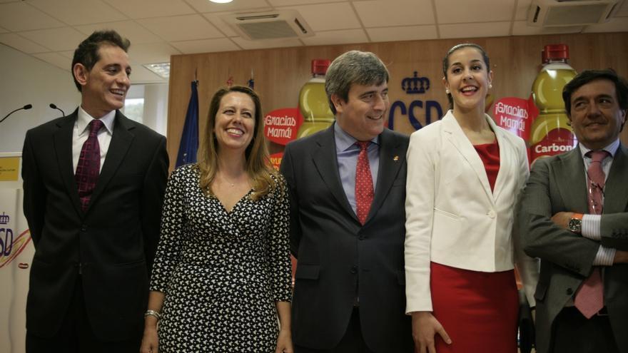 Carbonell 'ficha' a la jugadora de bádminton Carolina Marín para que sea su embajadora en el exterior