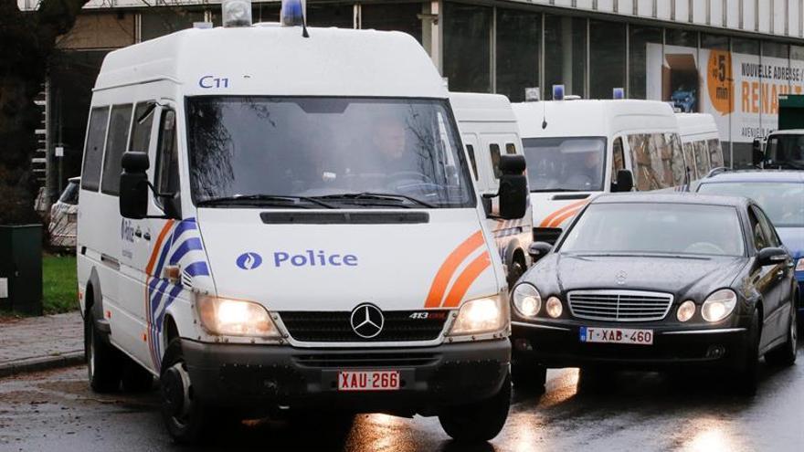 La policía detiene a 12 sospechosos de querer atentar en Bélgica