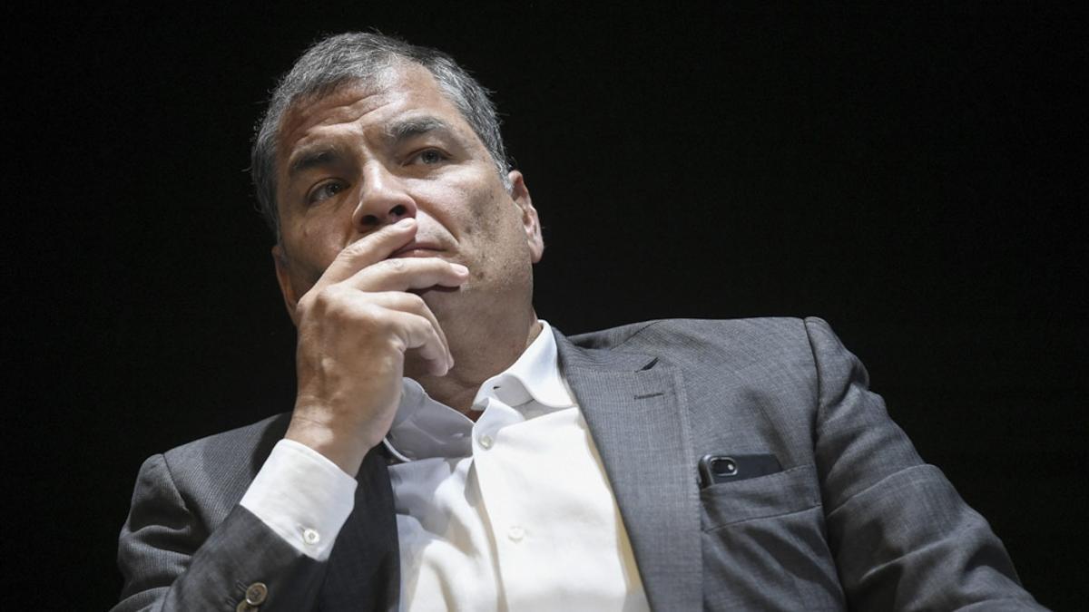 El exmandatario Rafael Correa usó sus redes para denunciar la situación en Ecuador.