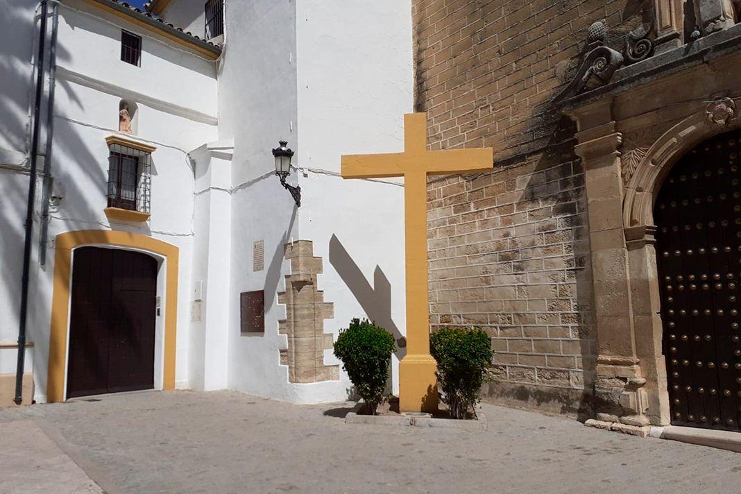 La polémica cruz, ya retirada