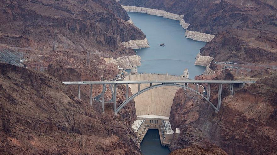 Imagen de la presa Hoover, situada en la frontera entre Arizona y Nevada, que reduce el caudal del río Colorado.