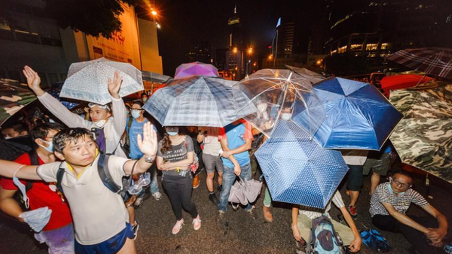 Miles de personas siguen ocupando parte del centro de Hong Kong para exigir una mayor reforma electoral © Leung Ching Yau Alex