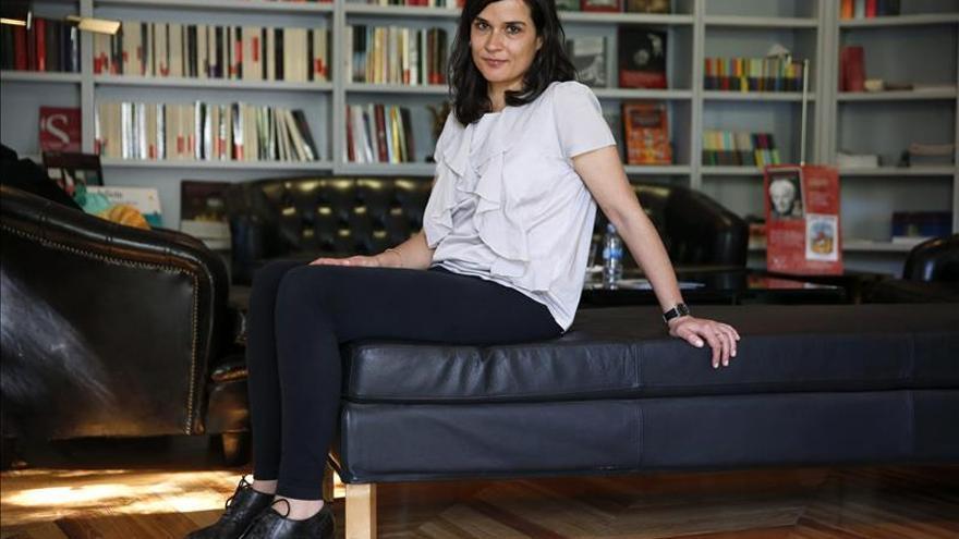 """Carolina Sanín opina que """"la literatura en español vive un momento feliz"""""""