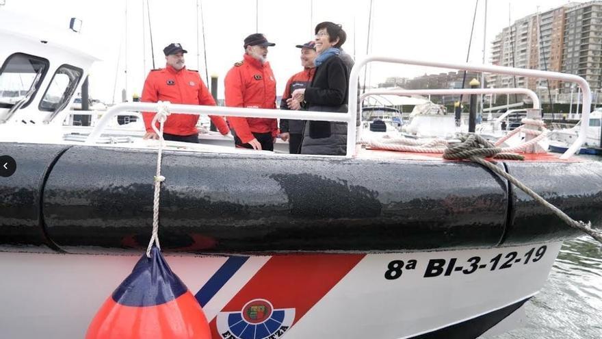 La Ertzaintza incorpora una nueva embarcación destinada a labores de vigilancia y rescate en el litoral vasco