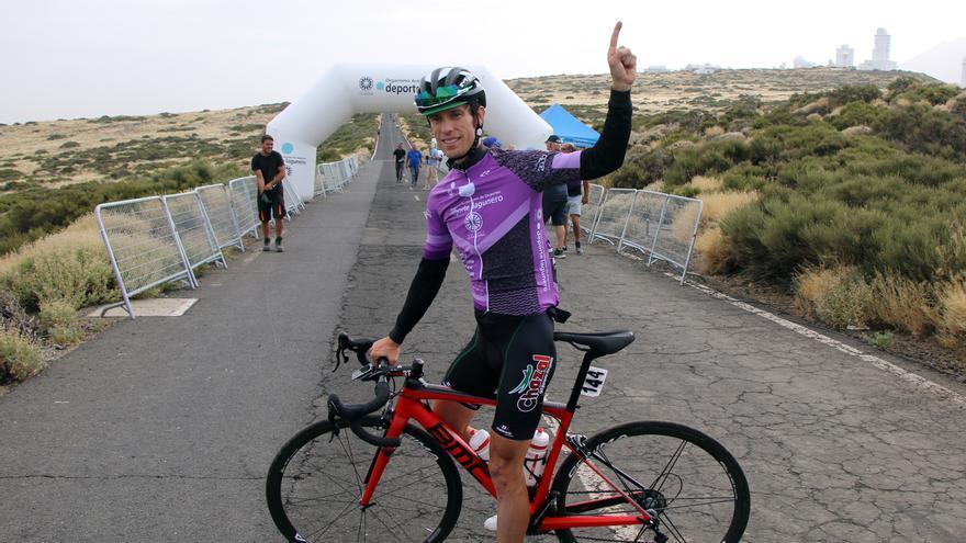 Adriá Moreno tras ganar la etapa reina de la ronda.