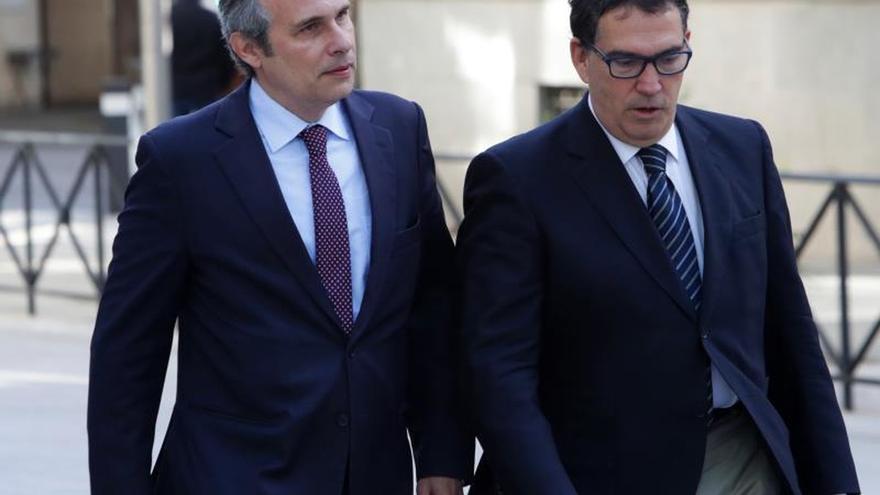 Ordenan reabrir la causa a los acompañantes de Puigdemont cuando fue detenido