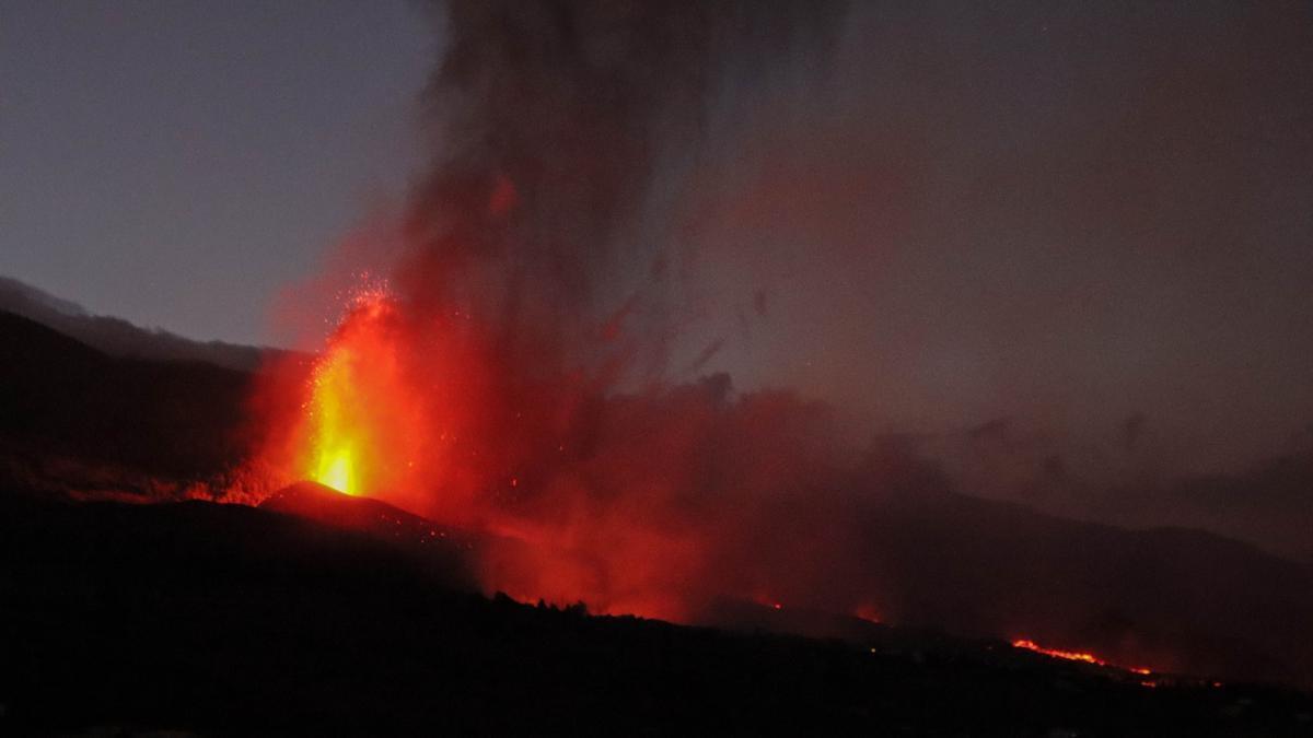 El nuevo volcán en Cumbre Vieja. JOSÉ AYUT