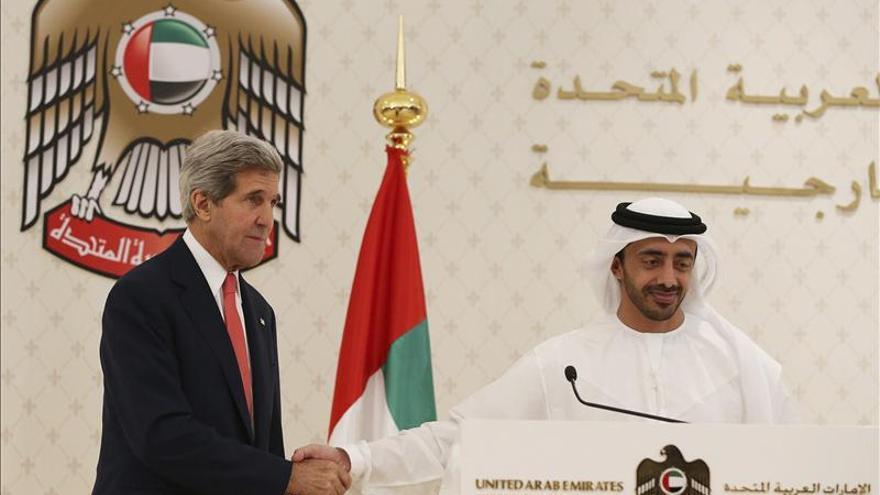 """Kerry asegura que no hay """"una carrera"""" para completar las negociaciones con Irán"""