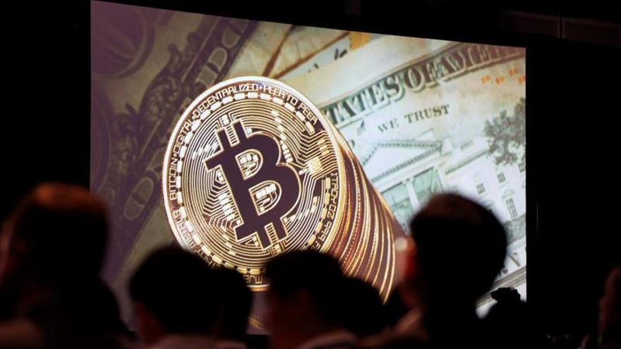 El bitcóin cae un 16 % y agudiza mala racha paralela al mercado de valores